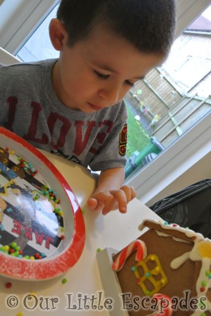Gingerbread_House4