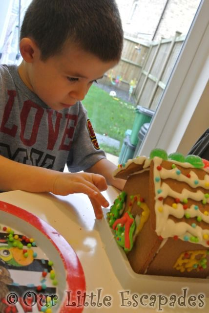 Gingerbread_House5