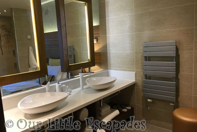 Elveden_Forest_Luxury_Spa_Suite_23