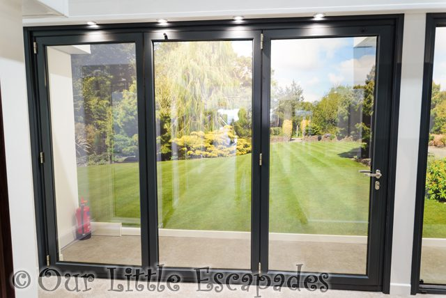 bi-fold doors seh bac colchester showroom