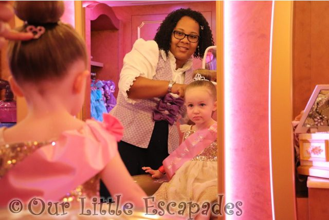 showing little e mickey clip bibbidi bobbidi boutique disney dream princess makeover