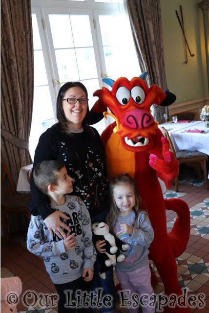 mushu chinese new year disneyland paris inventions sunday brunch