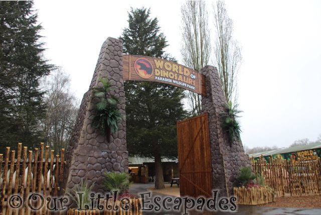 paradise wildlife park world of dinosaurs entrance