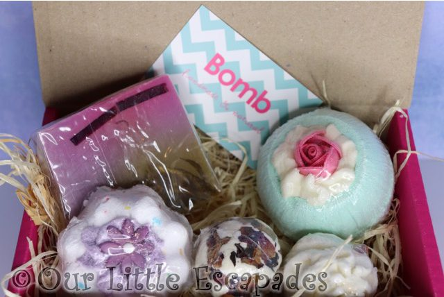 christmas gifts her bomb cosmetics vintage velvet gift pack contents
