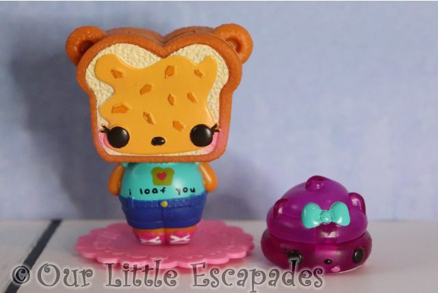 num noms mystery make up surprise yummy PB grizzly grape