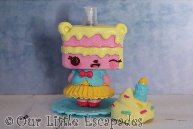 num noms mystery make up surprise yummy sweetcakes scented body spray