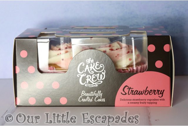 the cake crew strawberry cupcakes-boxed