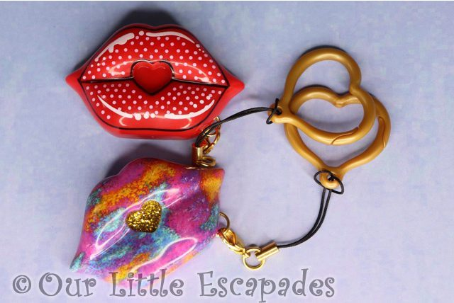 swak sealed with a kiss kissable keychains glitz n glam kiss retro kiss