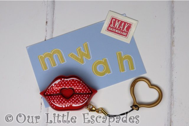 swak sealed with a kiss kissable keychains retro kiss box contents