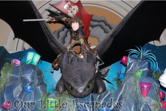 Visiting Toothless and Light Fury at Shrek's Adventure London