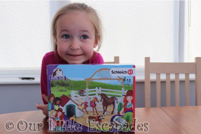 Schleich Horse Club - Hannah's Guest Horses with Ruby the Dog REVIEW