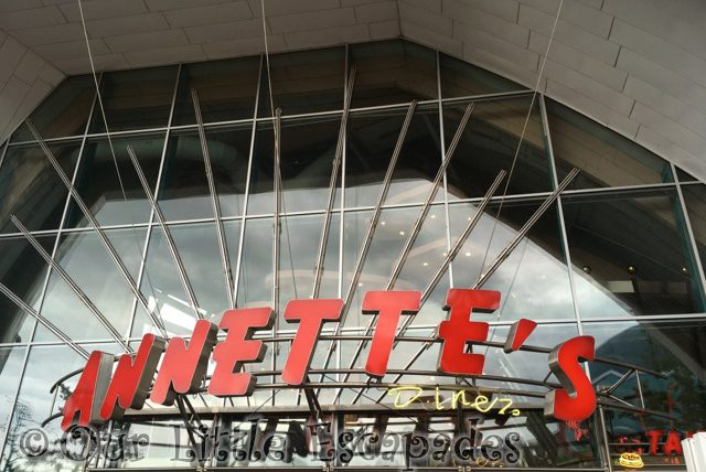 annettes diner disney village disneyland paris