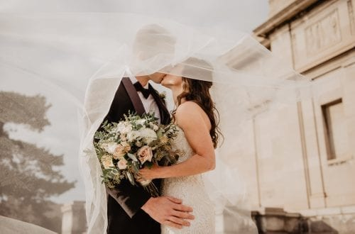 Winter Weddings 2019: Flowers And Pearls