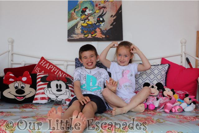 ethan little e minnie mouse beach hut