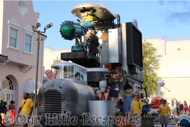 despicable me parade float universal superstar parade