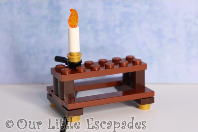 great hall table candle stick lego harry potter advent calendar 2019 contents
