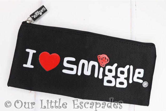 i love smiggle pencil case