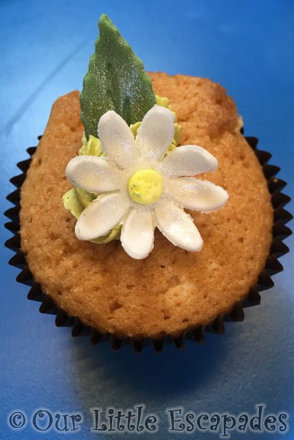 mothers day lunch cupcake