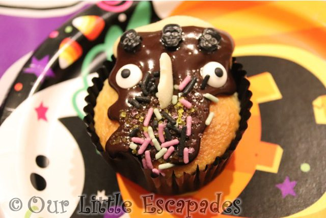janes decorated halloween cupcake