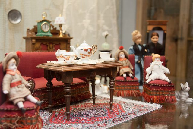 dolls house front room