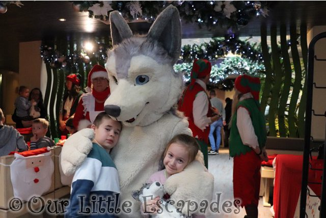 ethan little e luna husky breakfast with santa colchester zoo