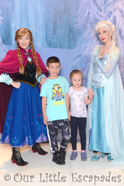ethan little e anna elsa meeting anna and elsa on the disney magic