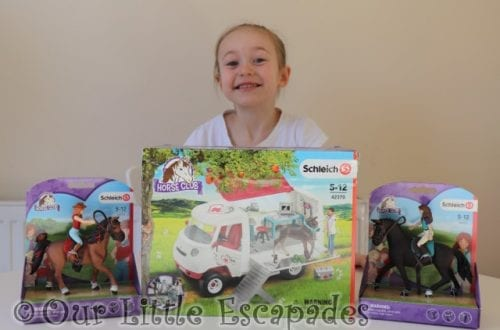 Schleich Horse Club Mobile Vet Van REVIEW