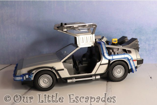 doors open delorean