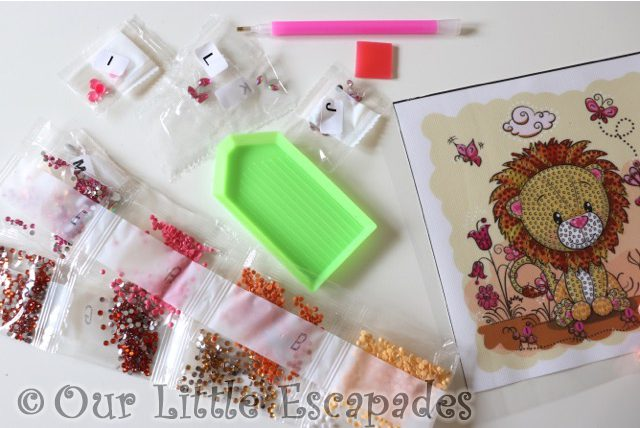 lion meadow crystal art frameables kit contents