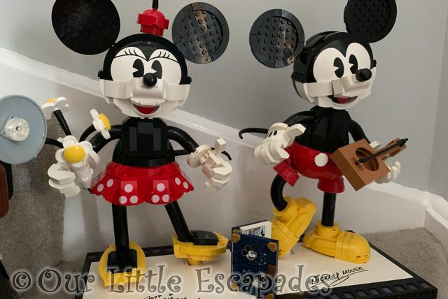 close up lego disney mickey mouse minnie mouse set