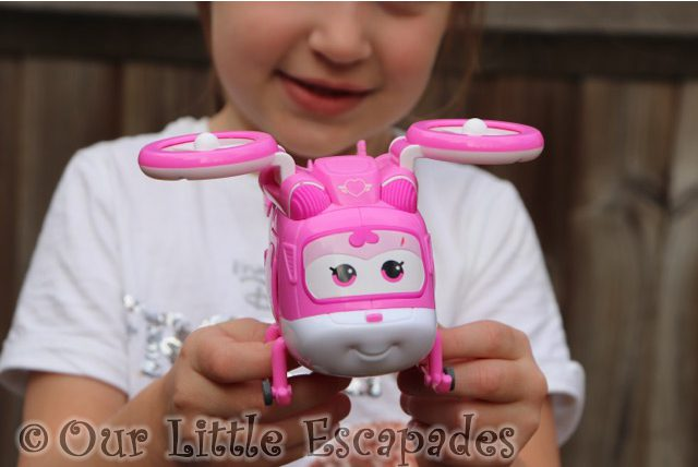 dizzy little e super wings transforming vehicles