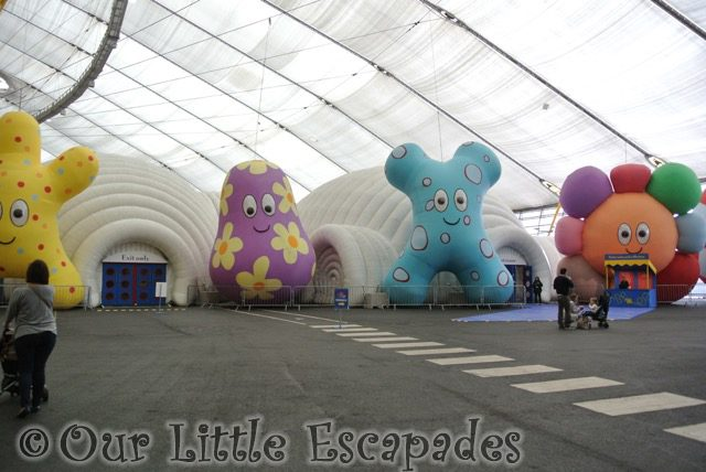 haahoos in the night garden live show dome toddler to in the night garden live