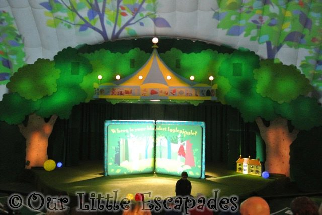 in the night garden live stage toddler to in the night garden live