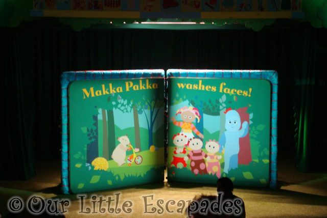 makka pakka washes faces in the night garden live book
