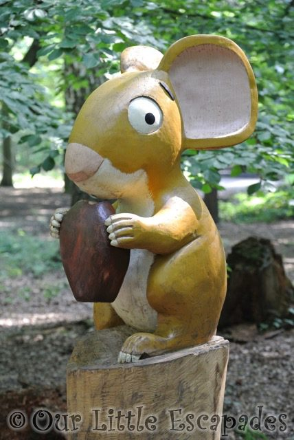 mouse gruffalo hunting thorndon country park