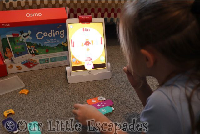 little e playing coding jam learn coding with osmo review