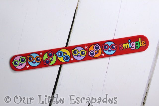 red smiley face slapband smiggle advent calendar 2020 contents