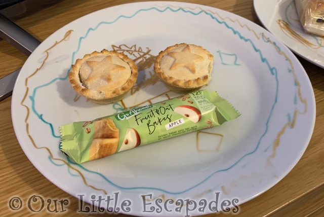 ethans santa plate mince pies apple bar