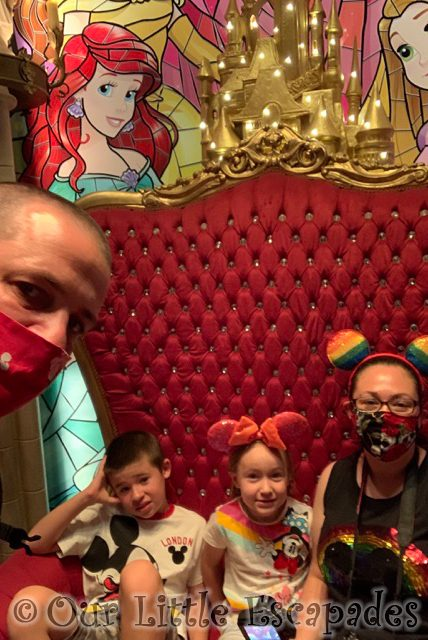 darren jane ethan little e princess pavilion selfie spot disneyland paris