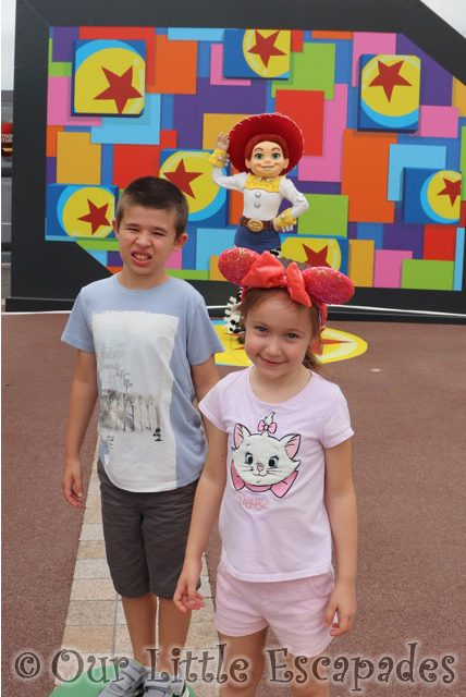 ethan little e jessie toy story selfie spots disneyland paris