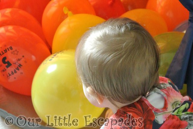 little e looking balloons featured image