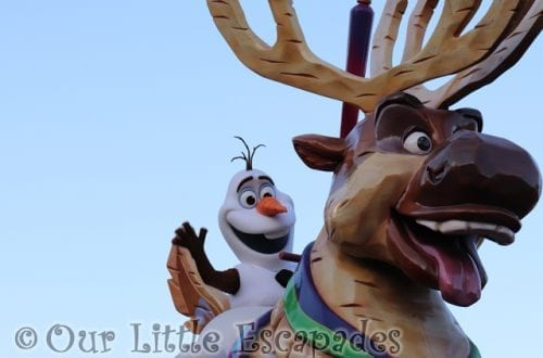 olaf sven stars on parade disneyland paris featured image